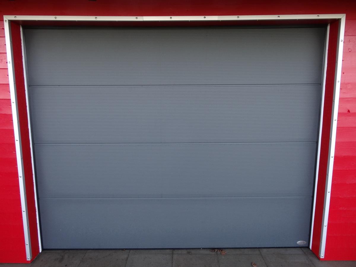 app_grosslamelle-satin-grey-microline-privatapp-carport